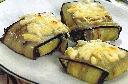 Конвертики из баклажанов с сыром