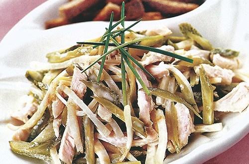 Салат куриный с сельдереем