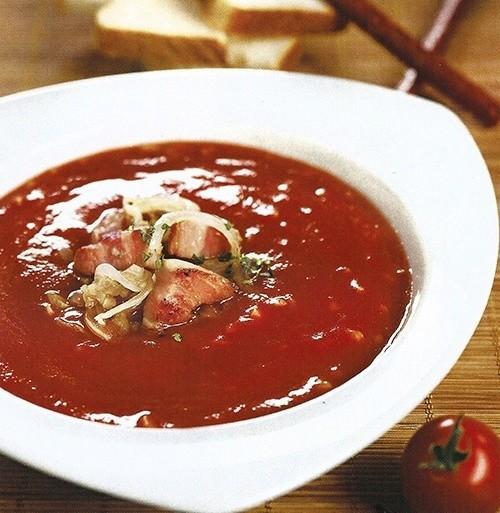 Томатный суп с копченой грудинкой