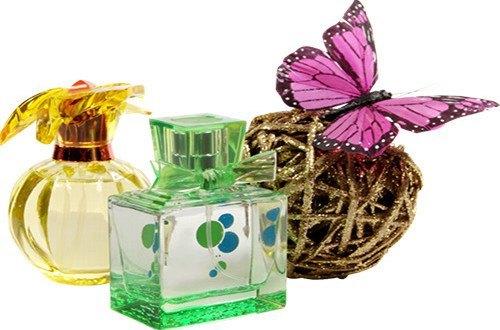Парфюм и бабочка на клубке