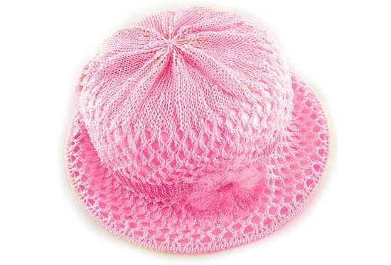 Летняя шляпа яркой расцветки