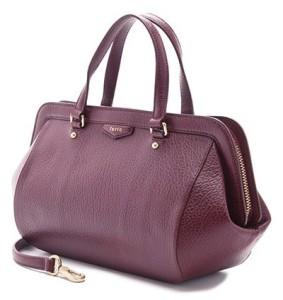 Тренды приходят и уходят, а классические женские формы сумок остаются