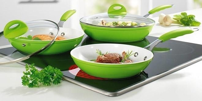 Керамические сковороды на плите
