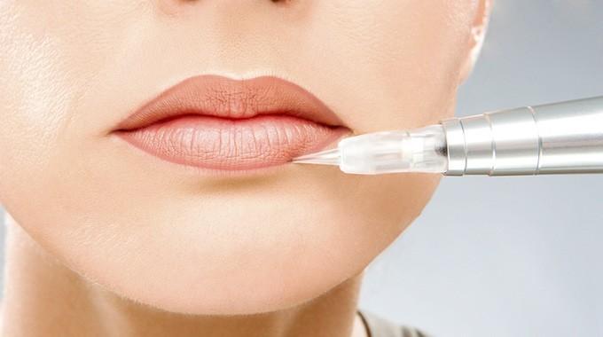 Перманентный макияж - губы