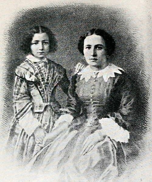 Сара Бернар в детстве с матерью