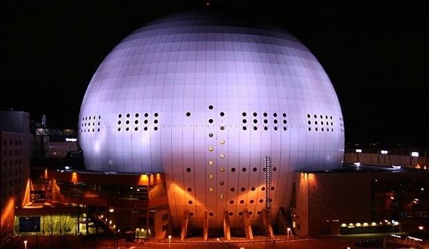 Стокгольм - знаменитая сферическая арена «Эрикссон-Глоб»