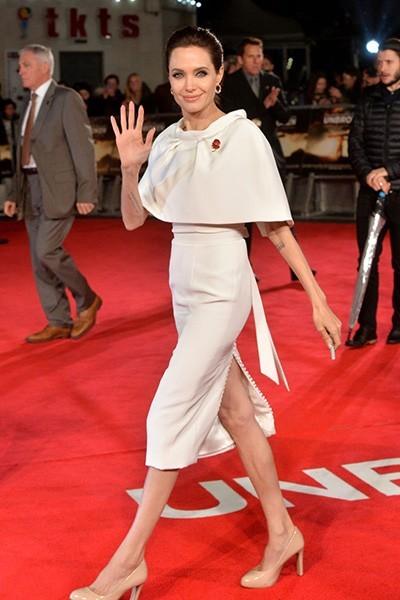 Анджелина Джоли в белом