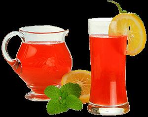 Домашний лимонад в графине и стакане