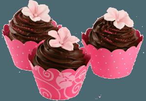 Три шоколадных пирожных