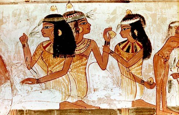 В древнем Египте были востребованы загорелые женщины с глазами на пол-лица