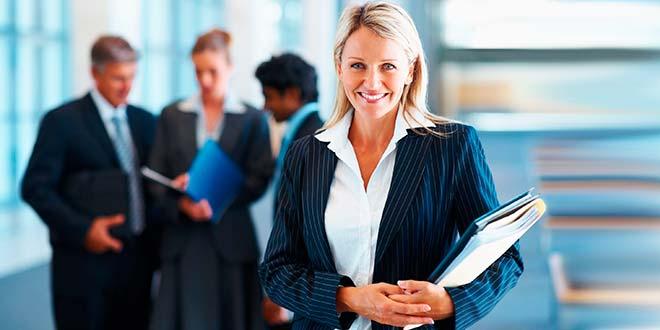 Женщина на приеме на работу