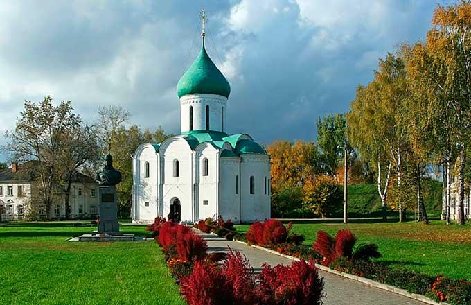 Спасо-Преображенский собор постройки XII века