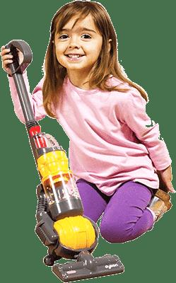 Девочка с пылесосом