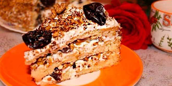 Торт «Принц Персии» с черносливом