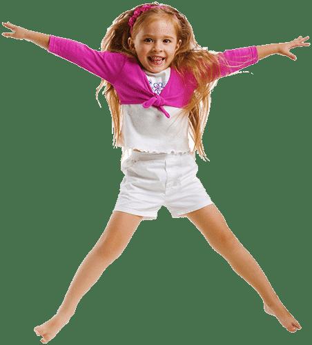 Девочка прыгает