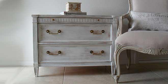 Декорированная мебель «под старину»