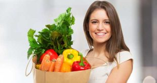 Девушка и здоровая еда