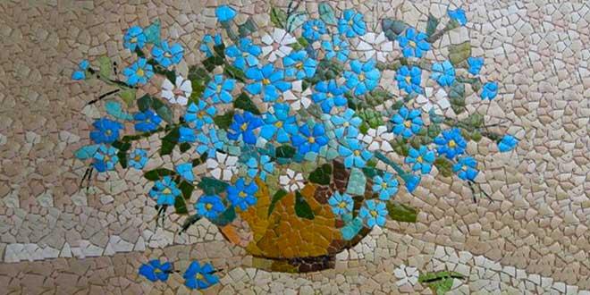 Мозаика из яичной скорлупы ваза
