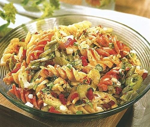 Дижонский салат из трехцветной пасты