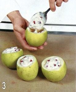 Яблоки, запеченные с творогом и гранатами 3