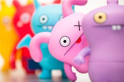 Разноцветные игрушки