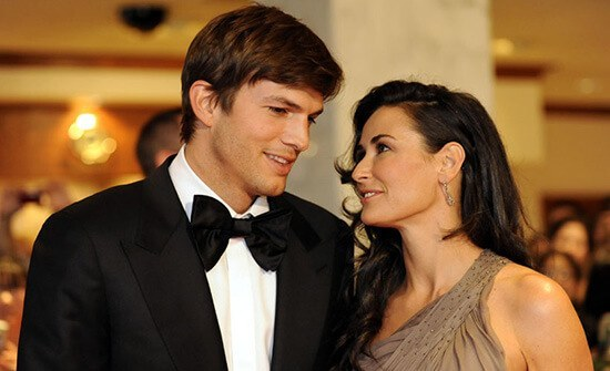 Мур начала встречаться с комедийным актером Эштоном Катчером