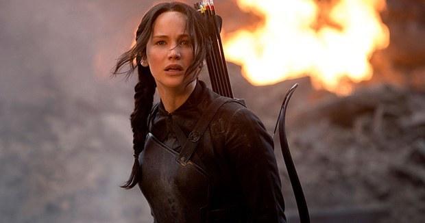 Дженнифер Лоуренс в роли героической Китнисс Эвердин из «Голодных игр»