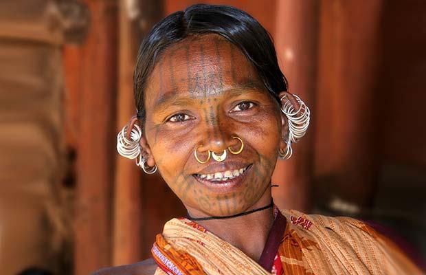 Женщины японских аборигенов Айну заявляли о себе татуировками на лице